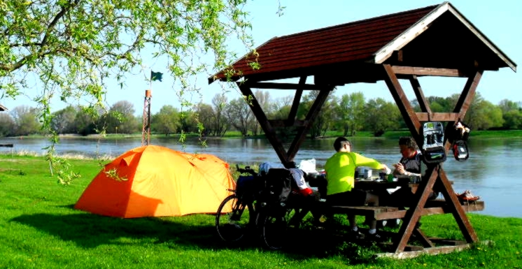 Campingplatz Magdeburg __